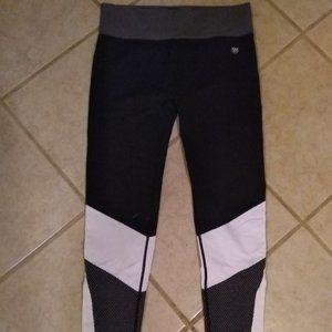 Forever 21 Black/white leggings size LG